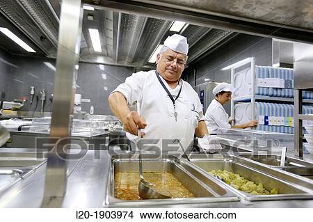 Banque de photo cuisinier nourriture menu pr paration for Cuisinier basque