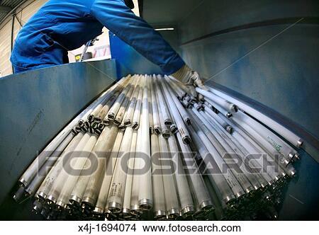 Stock foto m lltrennung von fluoreszierend lampen for Lampen niederlande