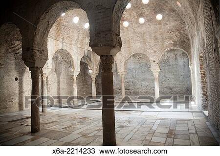 Stock foto banos arabes historisch arabisches b der eleventh jahrhundert maurisch - Banos arabes granada ...