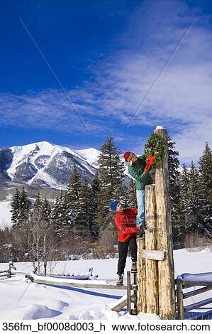Felsige berge, winterbilder. fotosearch - suche stockfotografie