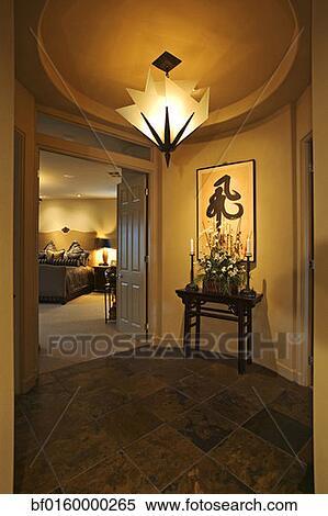 Banque d 39 image a somptueux lampe est suspendu for Lampe dehors