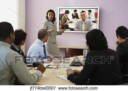 写真素材・動画素材・イラスト素材ピクチャー - 多民族, businesspeople, 持つこと, ビデオ会議