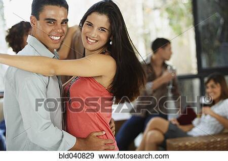 casado hembra bailando en Parla