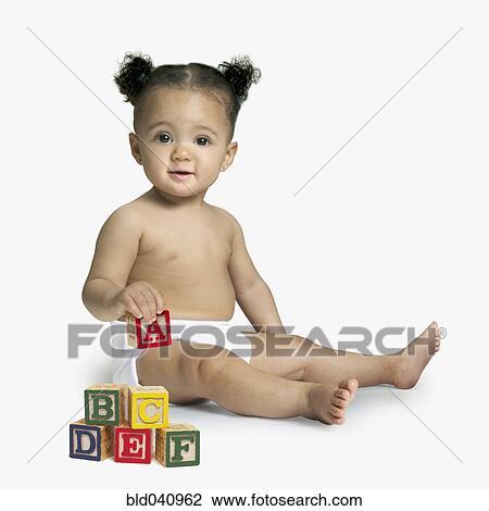 banque de photo africaine b b jouer blocs bld040962 recherchez des images des. Black Bedroom Furniture Sets. Home Design Ideas