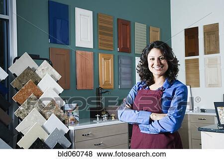 Images hispanique vendeur dans d cor maison magasin for Vendeur de maison