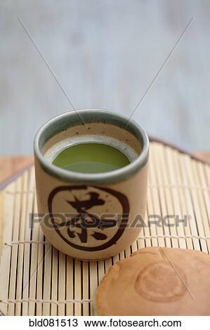banque de photo grand plan de japonaise vert matcha th et haricot rouge patisserie. Black Bedroom Furniture Sets. Home Design Ideas