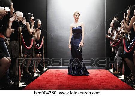 Stock fotografie elegante kaukasisches frau posieren for Elegante wandbilder