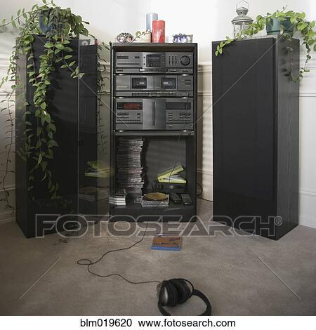 stock fotografie - musikanlage, in, a, wohnzimmer blm019620, Wohnzimmer