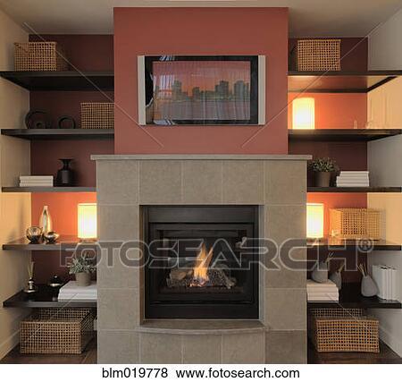 Immagini caminetto con schermo piano tv sopra il for Tv sopra camino