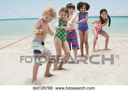 RF 类图片 孩子玩, 拔河, 在上, 海滩 bld126780 bld126780.jpg