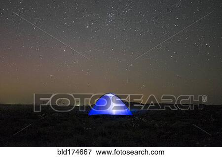 Glowing tent under starry night sky & Picture of Glowing tent under starry night sky bld174667 - Search ...