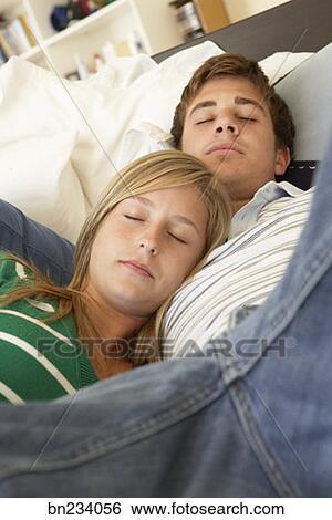 Image - adolescent, endormi, par, les, livre k8421397