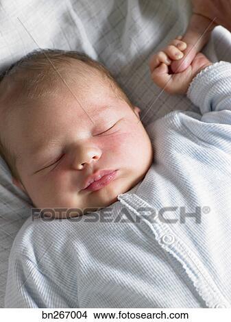 Stock foto eingeschlafen baby bn267004 suche stockbilder wandbilder bilder und clip art - Wandbilder baby ...