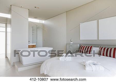 Billede - seng, og, badekar, ind, moderne, soveværelse 412-10807 ...