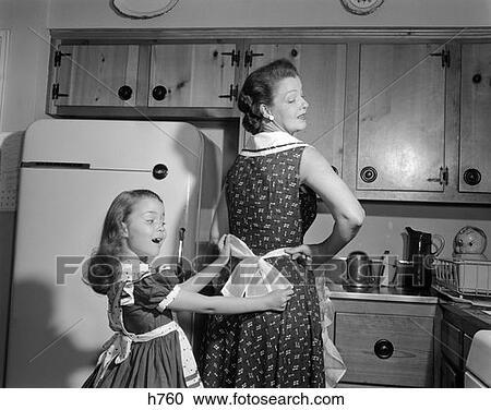 """Résultat de recherche d'images pour """"enfant dans la cuisine photo retro"""""""