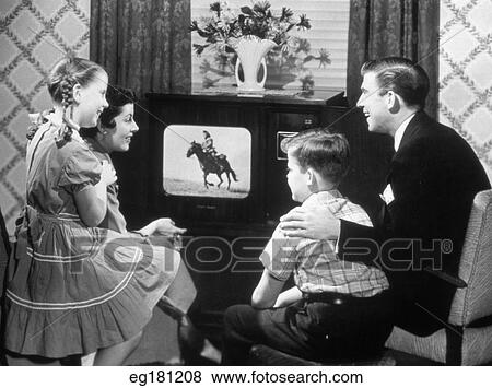 the view on the american family setting in television classics Watch free tv shows online, including full episodes, previews, and video clips of your favorite current and classic tv shows on nbccom.