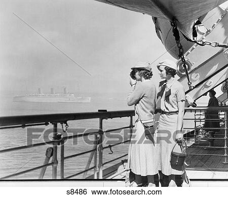 Stock Images Of S Two Women Filming With Mm Home Movie Camera - 1930s cruise ships