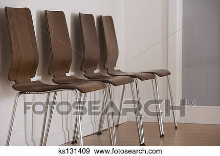 Stuhlreihe clipart  Stock Fotograf - stuhlreihe ks131409 - Suche Stock Fotografie ...