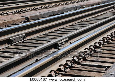 结束看 在 火车轨道 图片 火车轨道 k0060167 搜索