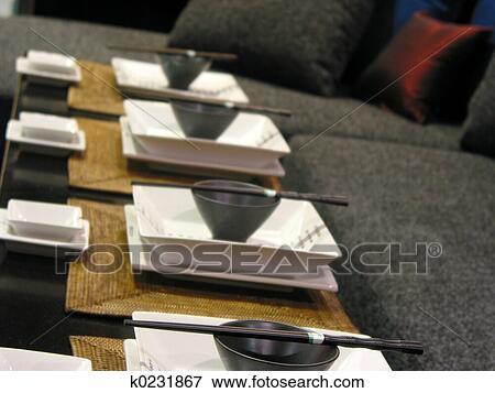 Bild japanische gedeckter tisch k0231867 suche for Tisch japanisches design
