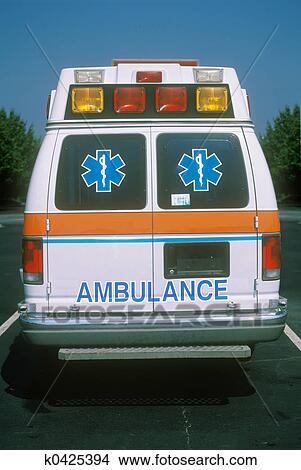 Banque de Photo - vue postérieure, de, ambulan. Fotosearch - Recherchez des Images, des Photographies et des Photos ClipArt