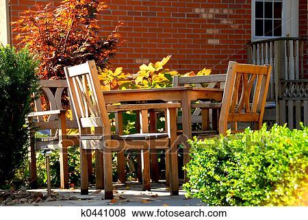 Immagini patio k0441008 cerca archivi fotografici for Disegni di casa patio