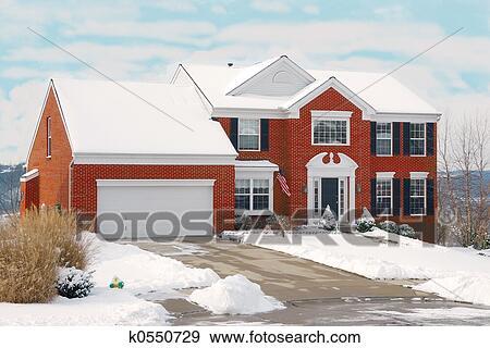Banque de photographies maison sur a colline dans for Maison sur colline