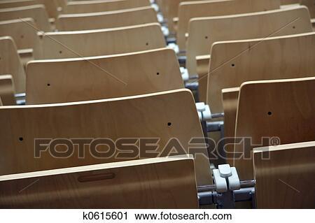 Stuhlreihe clipart  Stock Fotografie - stuhlreihe k0615601 - Suche Stockfotos, Fotos ...