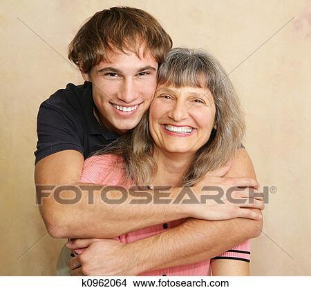 зрелые мамаши с сыновьями фото
