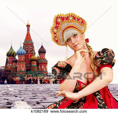 russkiy-seksualniy-kostyum