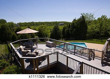 Archivio di immagini moderno ponte e piscina k1111326 for Disegni ponte veranda