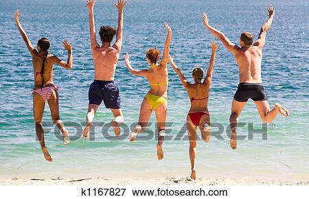 фото молодежь на пляжах