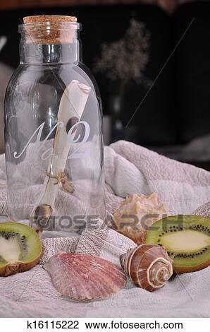 Stock foto binnenlandse decoratie fles kiwi een for Decoratie fles