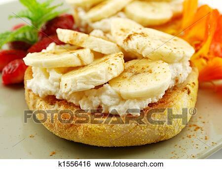 Из банана и рикотты