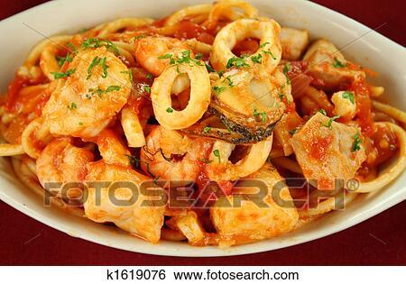 Кальмары со спагетти рецепт с фото