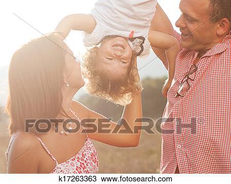 Отец трает свою дочь смотреть онлайн