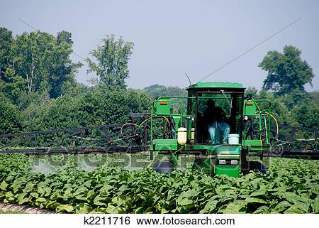 创意设计图片在线 - 农作物喷洒