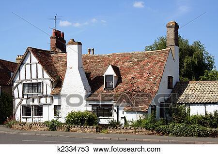 Banque de photo typique anglaise maison pays k2334753 recherchez des im - Maison anglaise typique ...