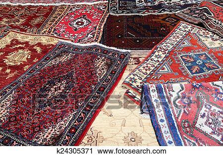 Banques de photographies tapis l vendre dans les magasin de amende tapis k24305371 - Tapis de caoutchouc a vendre ...