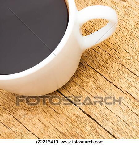 stock fotograf wei keramisch kaffeetasse oben alt holztisch 1 to 1 verh ltnis. Black Bedroom Furniture Sets. Home Design Ideas