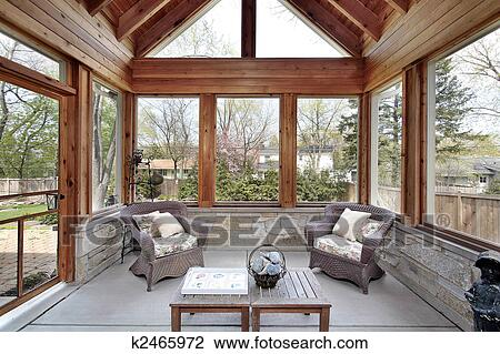 Archivio fotografico   legno, veranda, con, pareti pietra k2465972 ...