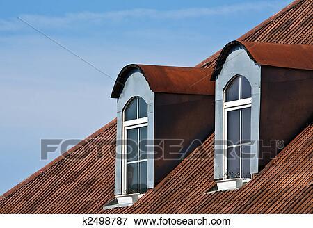 Image rouges toit et fenetres k2498787 recherchez for Fenetre toit ciel
