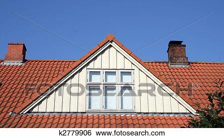 Archivio di immagini tetto soffitta conversione for Abbaino tetto prezzi