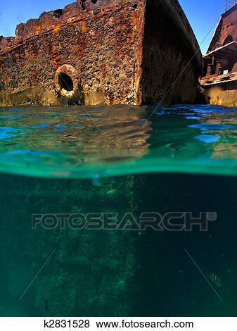Pictures of Underwater views of rusty shipwrecks at Moreton island ...