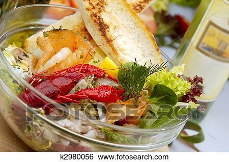 приготовление салата из морепродуктов с фото