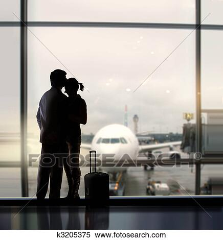 porno-vstrecha-v-aeroportu