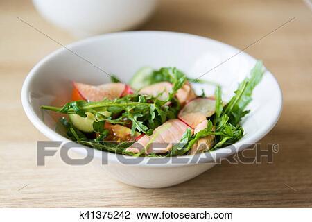салат редис мясо фото