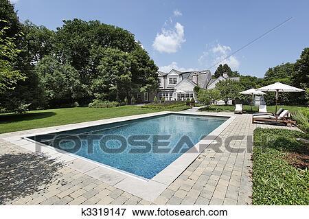 Immagine piscina con ponte presiede k3319147 cerca for Disegni ponte veranda