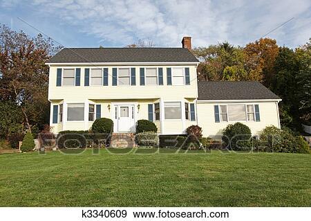 banque de photographies style colonial maison k3340609 recherchez des photos des images. Black Bedroom Furniture Sets. Home Design Ideas