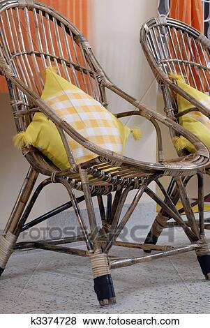 images rotin crosse canne meubles k3374728 recherchez des photos des images des. Black Bedroom Furniture Sets. Home Design Ideas